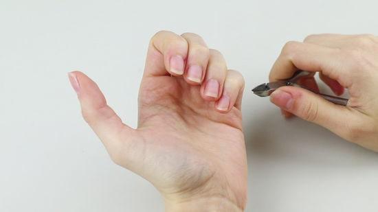 ناخنهای خود را کوتاه کنید