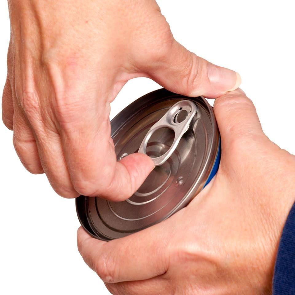عادتهایی که به ناخن شما آسیب میرساند