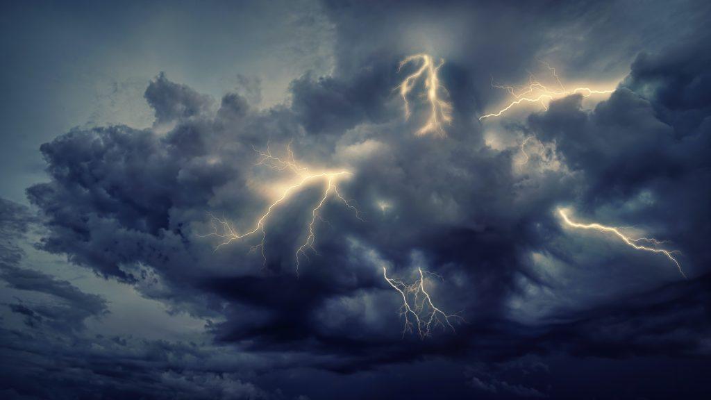 رعدوبرق طوفان