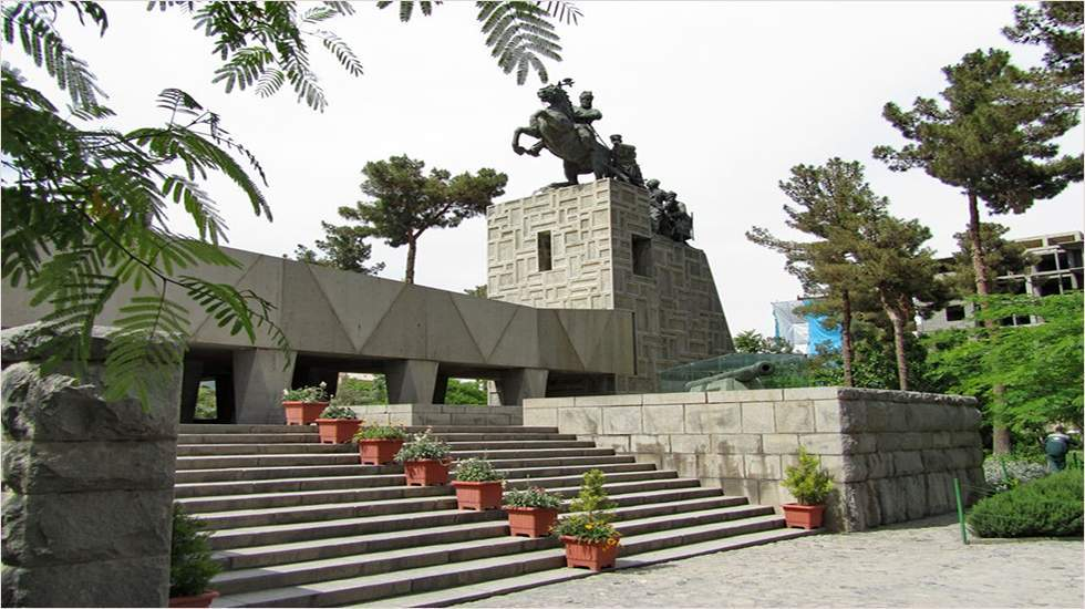 آرامگاه مشاهیر ایرانی؛ کوروش